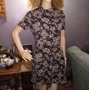 Soft Floral Mini-Dress/Large Junior